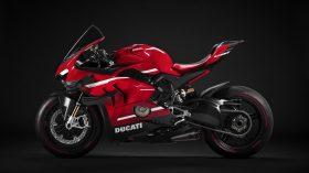 03 Ducati Superleggera V4 UC145950 Mid