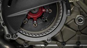 35 Ducati Superleggera V4 UC145997 Mid