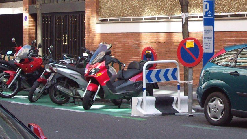 Cómo moverse en moto por Madrid con la nueva Ordenanza de Movilidad