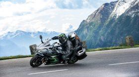 Kawasaki H2 SX SEplus 2019 01