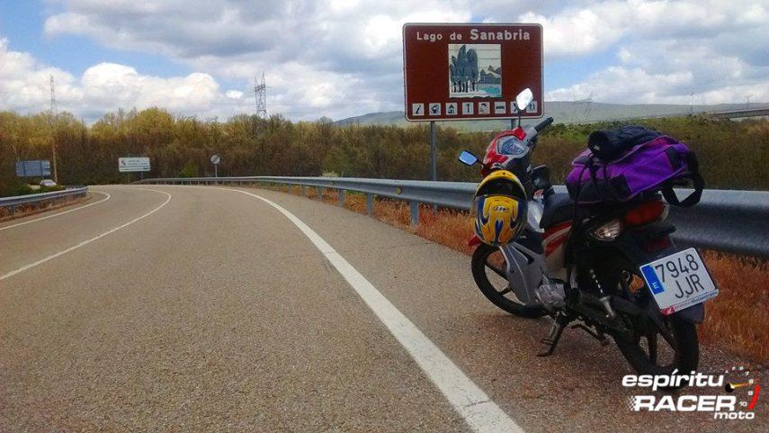 Viajar en una moto de 125