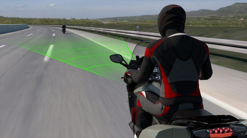 Las próximas motos BMW contarán con control de crucero activo ACC