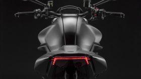 Ducati Monster Puls 2021 109
