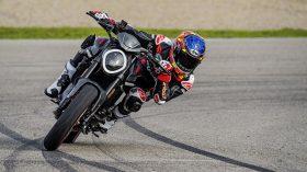 Ducati Monster Puls 2021 170
