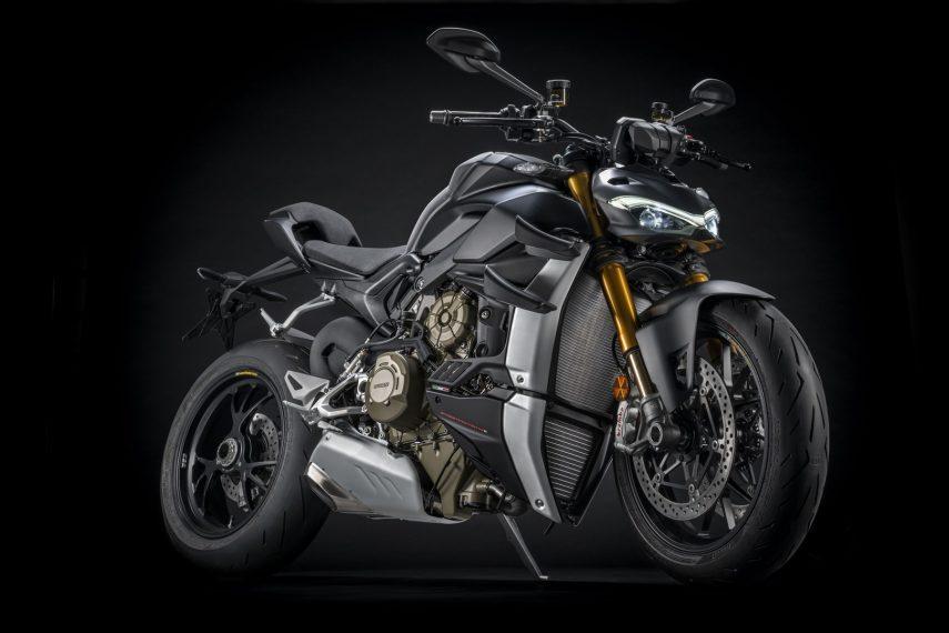 La Ducati Streetfighter V4 2021, ahora Euro 5 y en negro salvaje