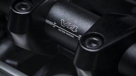 Ducati Streetfighter V4 S 2021 12