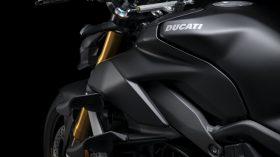 Ducati Streetfighter V4 S 2021 19