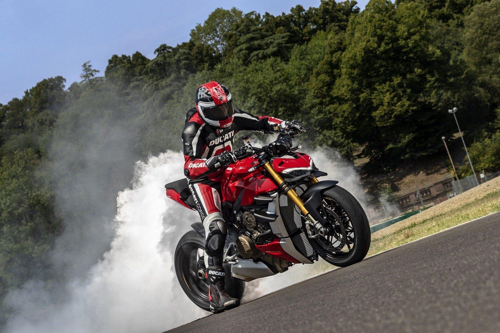 Ducati Streetfighter V4 2020 12