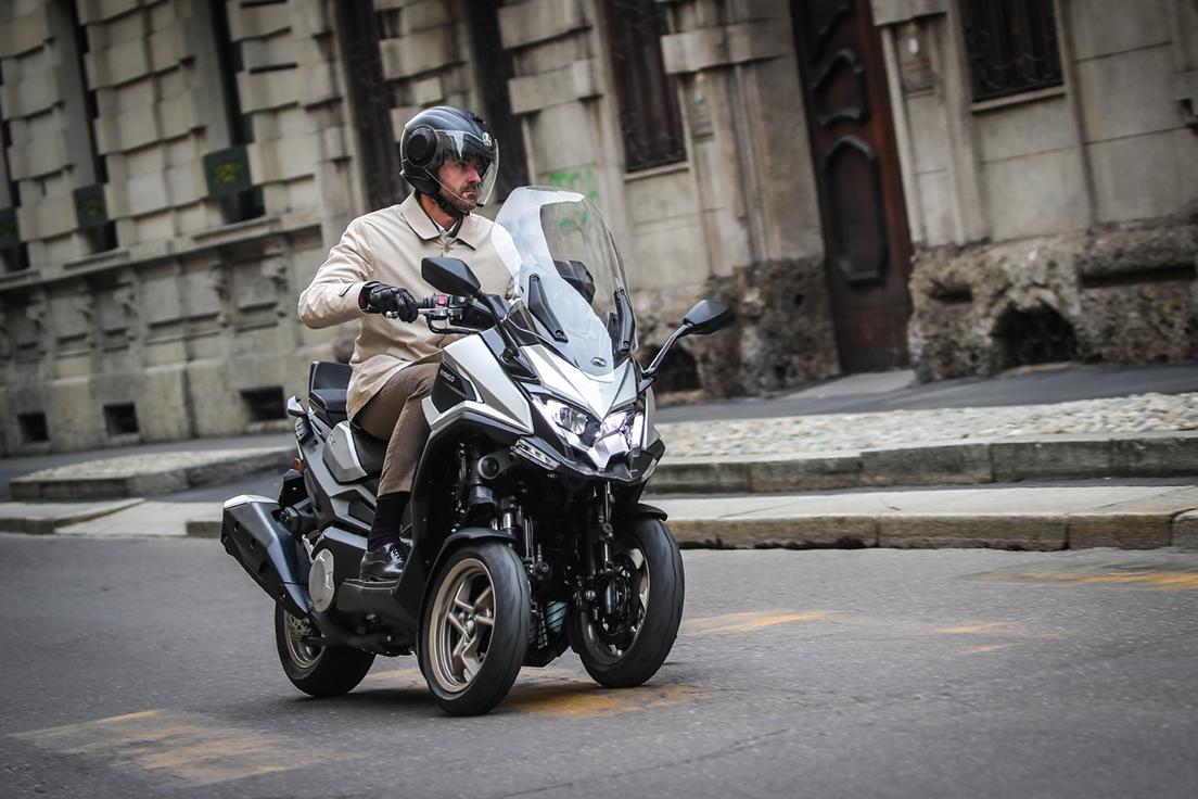 KYMCO CV3 2021, el scooter de tres ruedas más potente del mercado