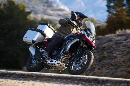 Moto macbor nuevo modelo montana xr5 rojo