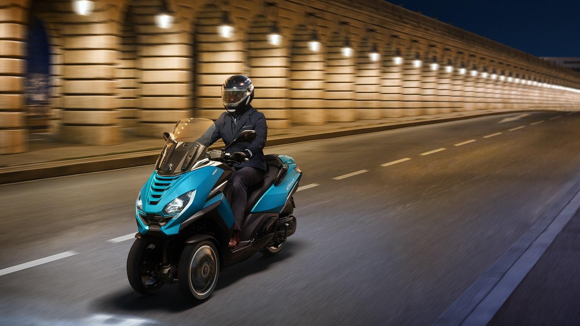 Peugeot Metropolis 2020, el scooter de tres ruedas más fiero