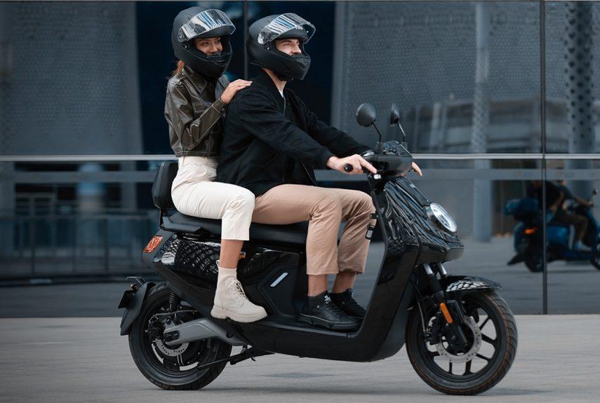 NIU MQi GT 2021, un scooter eléctrico económico y hasta 90 km de autonomía