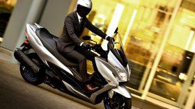 Suzuki Burgman 400 2021 28