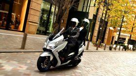 Suzuki Burgman 400 2021 34