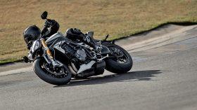 Triumph Speed Triple 1200 RS 02