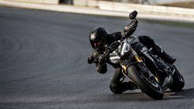 Triumph Speed Triple 1200 RS 14