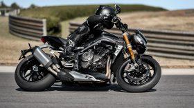 Triumph Speed Triple 1200 RS 77