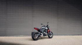 Triumph Trident 2021 08