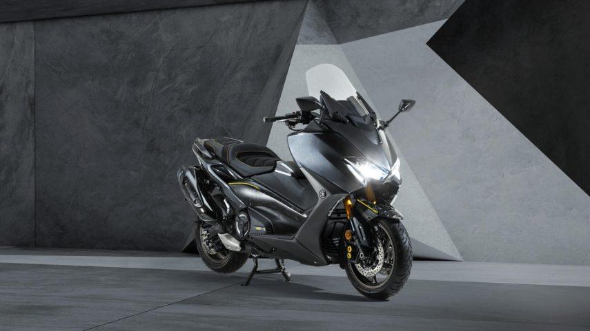 Yamaha TMAX 20 Aniversario, un scooter con carrocería de carbono forjado