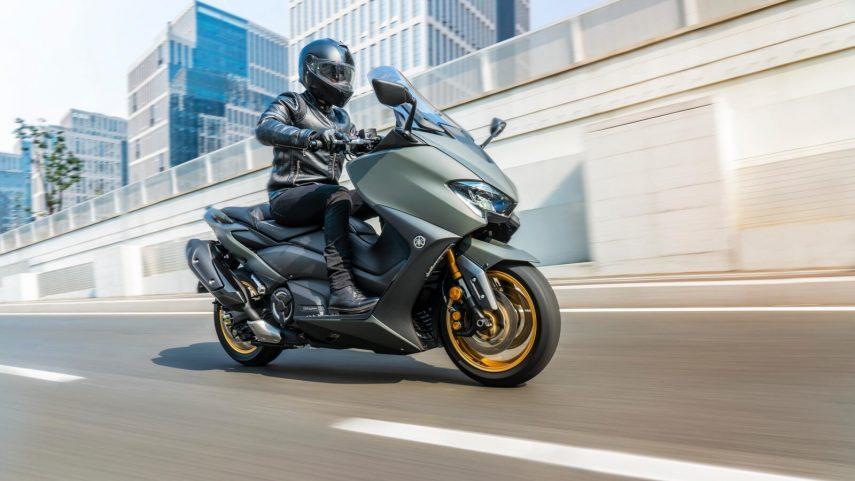 Yamaha TMAX 560 2021: nuevo color para el superventas