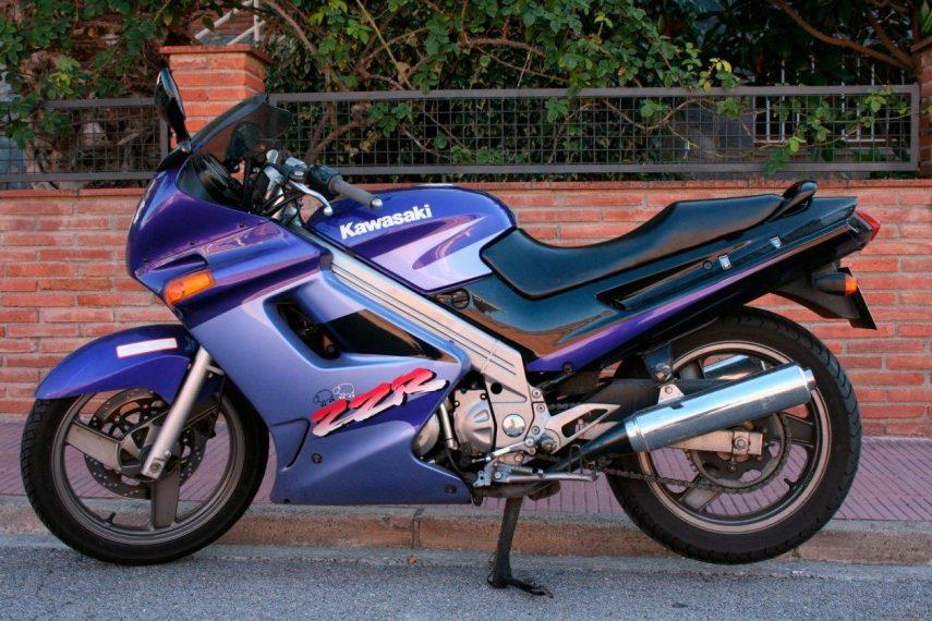 Moto del día: Kawasaki ZZR250
