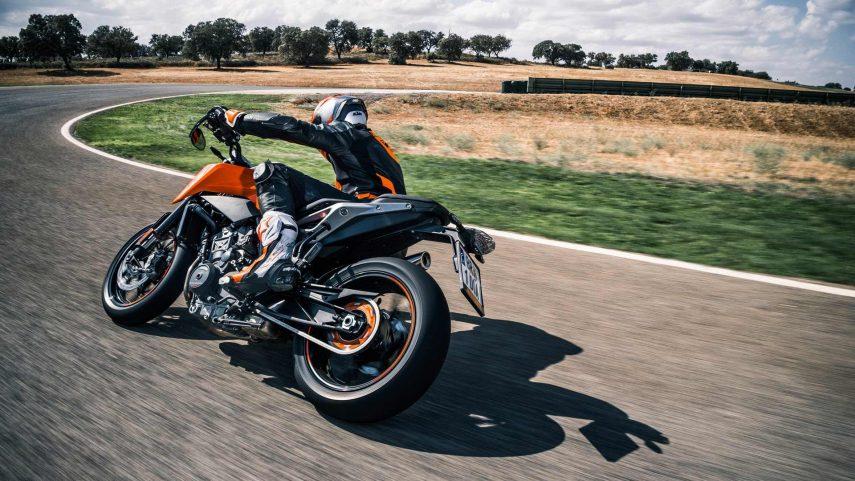 Si tu 790 Duke te sabe a poco, KTM tiene la solución