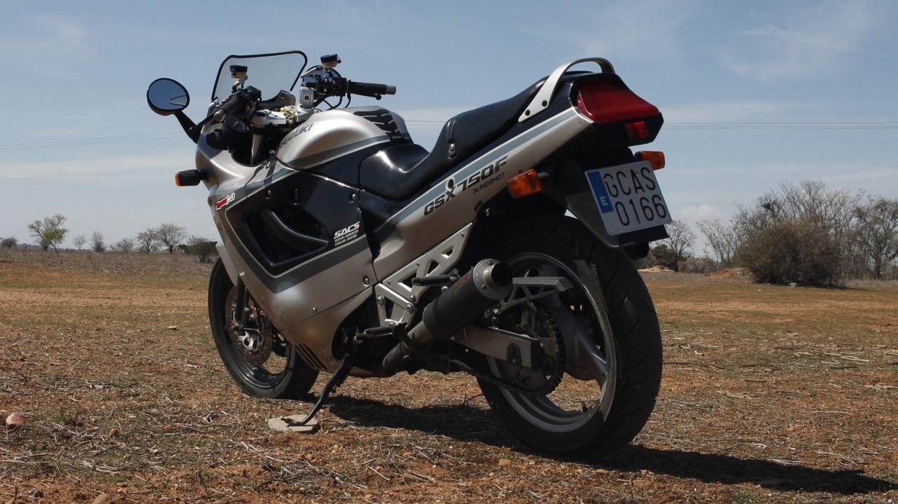 Suzuki GSX 750F 18
