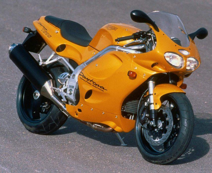 Moto del día: Triumph Daytona T595