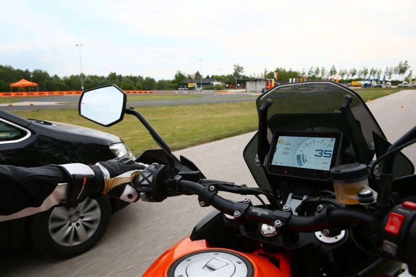 KTM presenta dos nuevos sistemas que mejorarán la seguridad en carretera