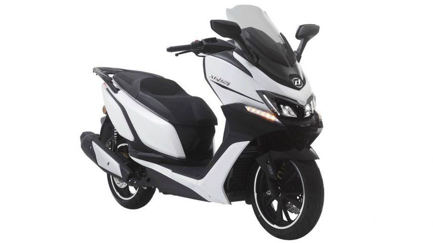 Nuevo Daelim XQ 125: el scooter tope de gama dentro de los carnés A1 y B convalidado