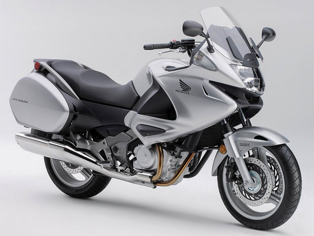 Honda Deauville 1