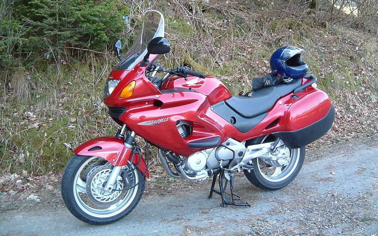 Honda Deauville 3