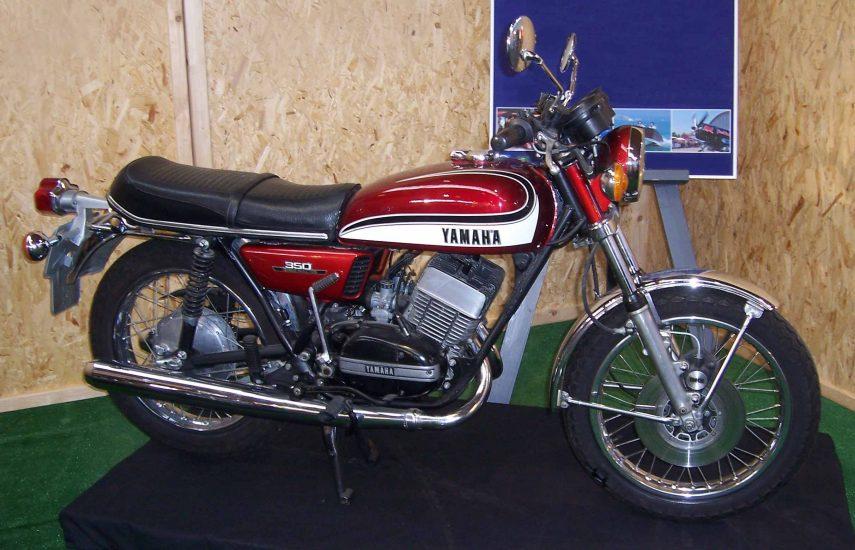 Moto del día: Yamaha RD 350