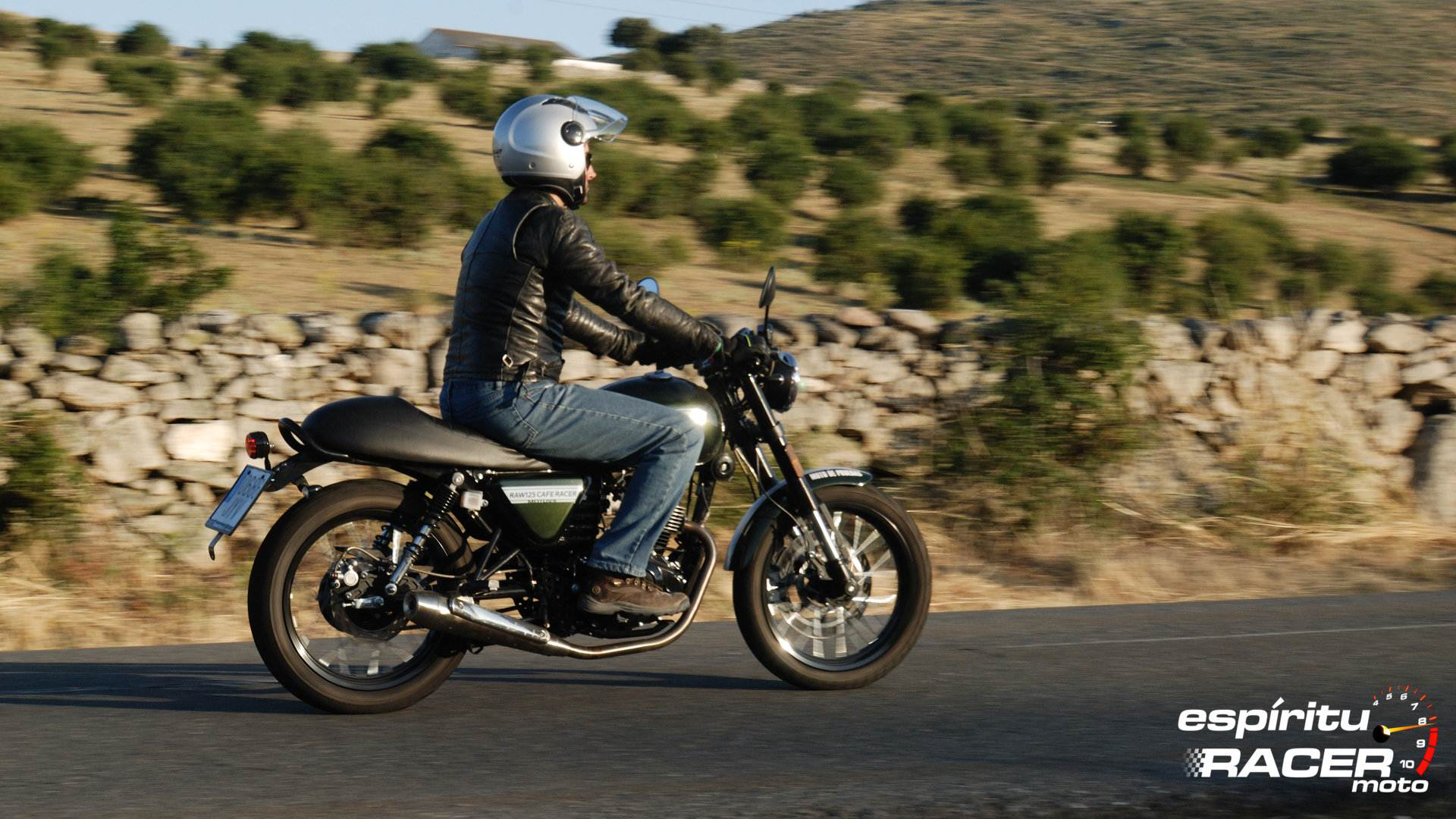 espíritu RACER Moto no cierra