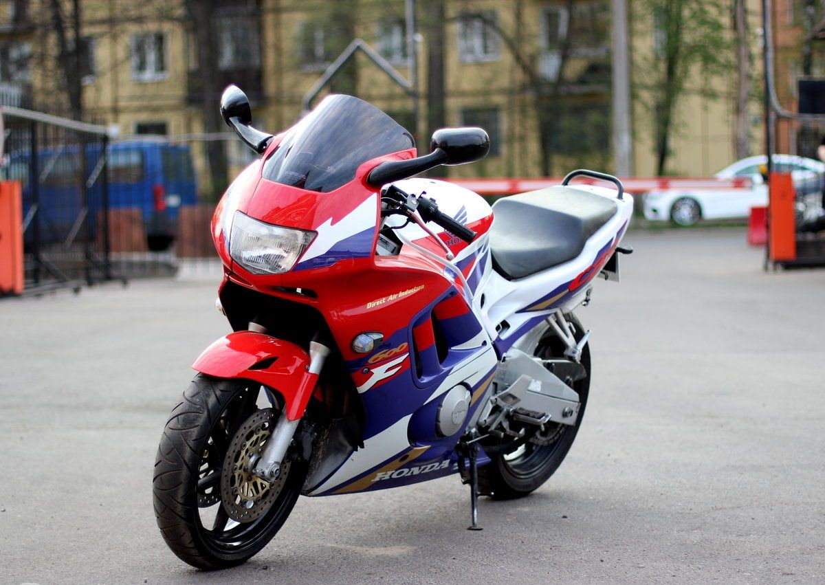 Moto del día: Honda CBR 600 F3