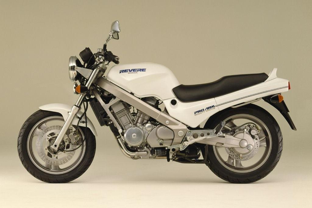 Honda NTV 650 Revere 2