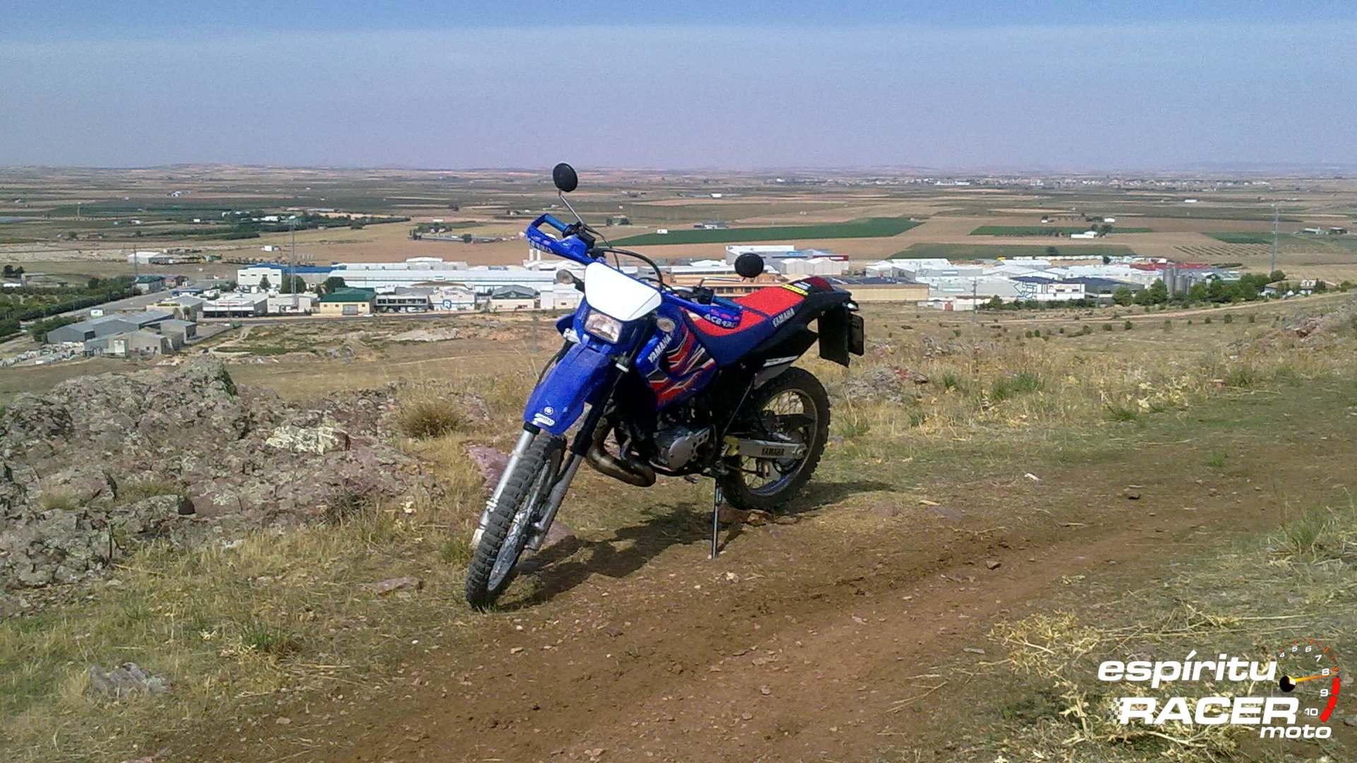Moto del día: Yamaha DT 125 RE