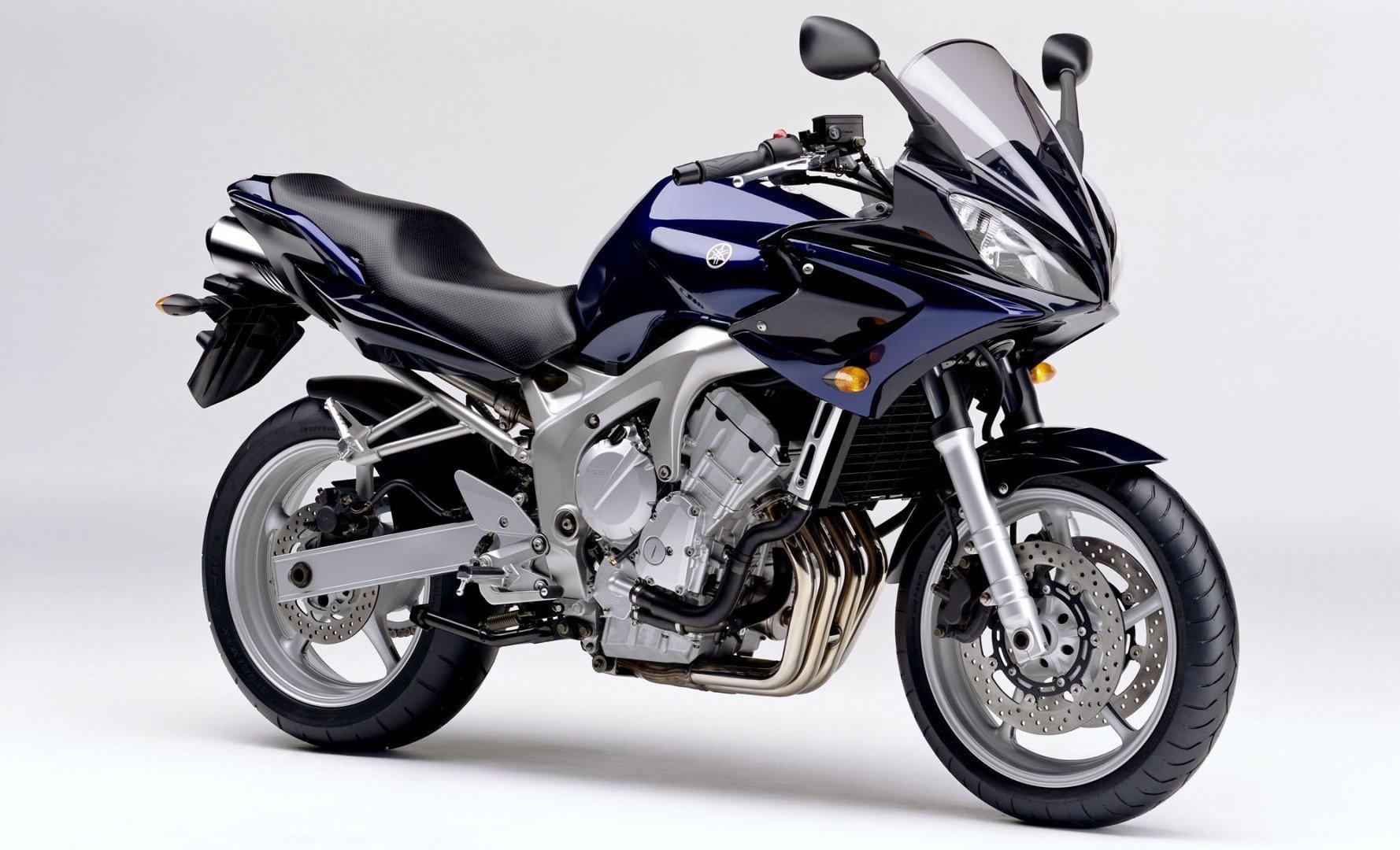 Yamaha FZ6 FAzer 1