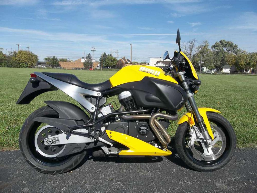 Moto del día: Buell X1 Lightning