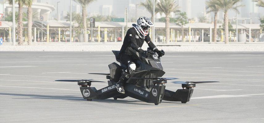 ¡La moto voladora ya está aquí! Se llama Hoverbike S3 y ya admite reservas
