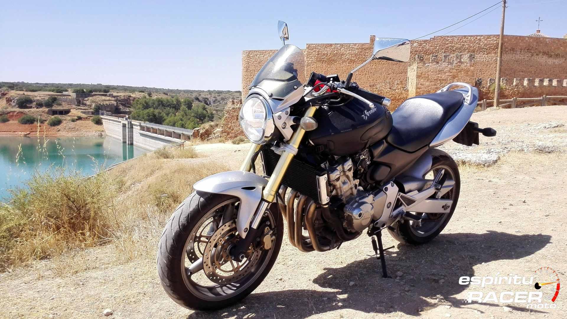 Moto del día: Honda CB 600 F Hornet (I)