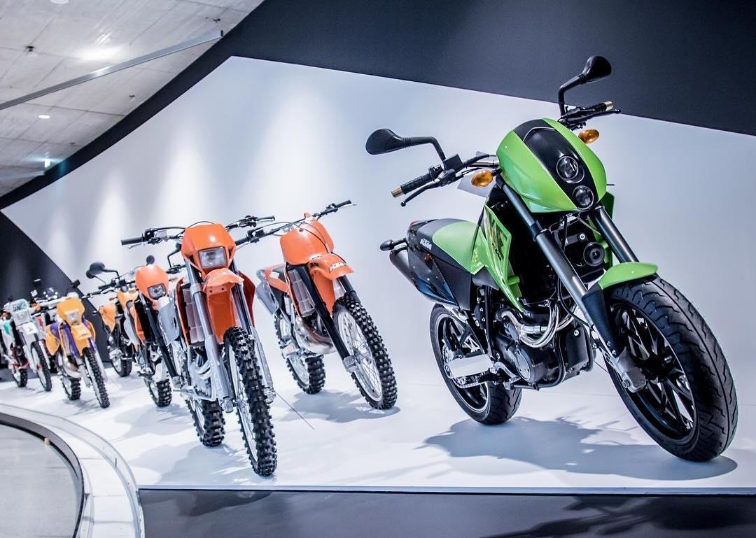 KTM Motohall 01