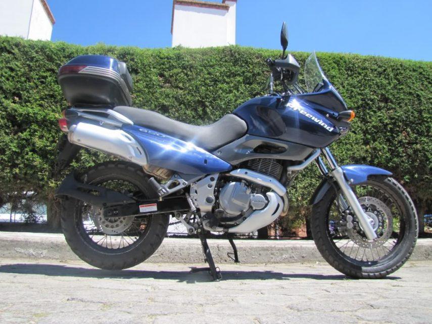 Moto del día: Suzuki Freewind 650