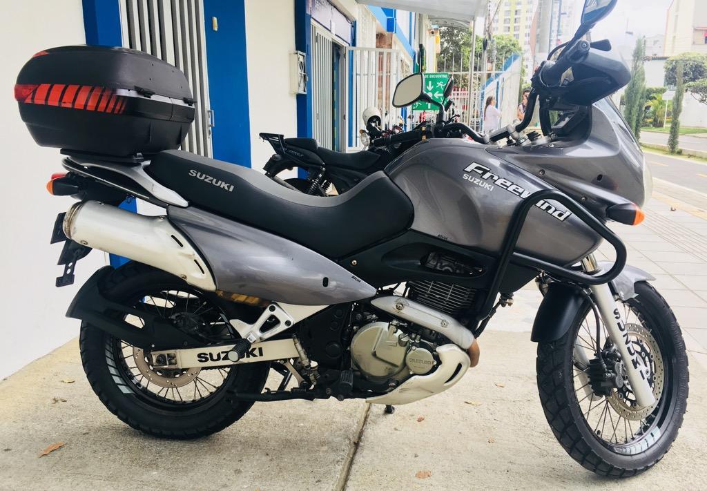 Suzuki Freewind 650 2