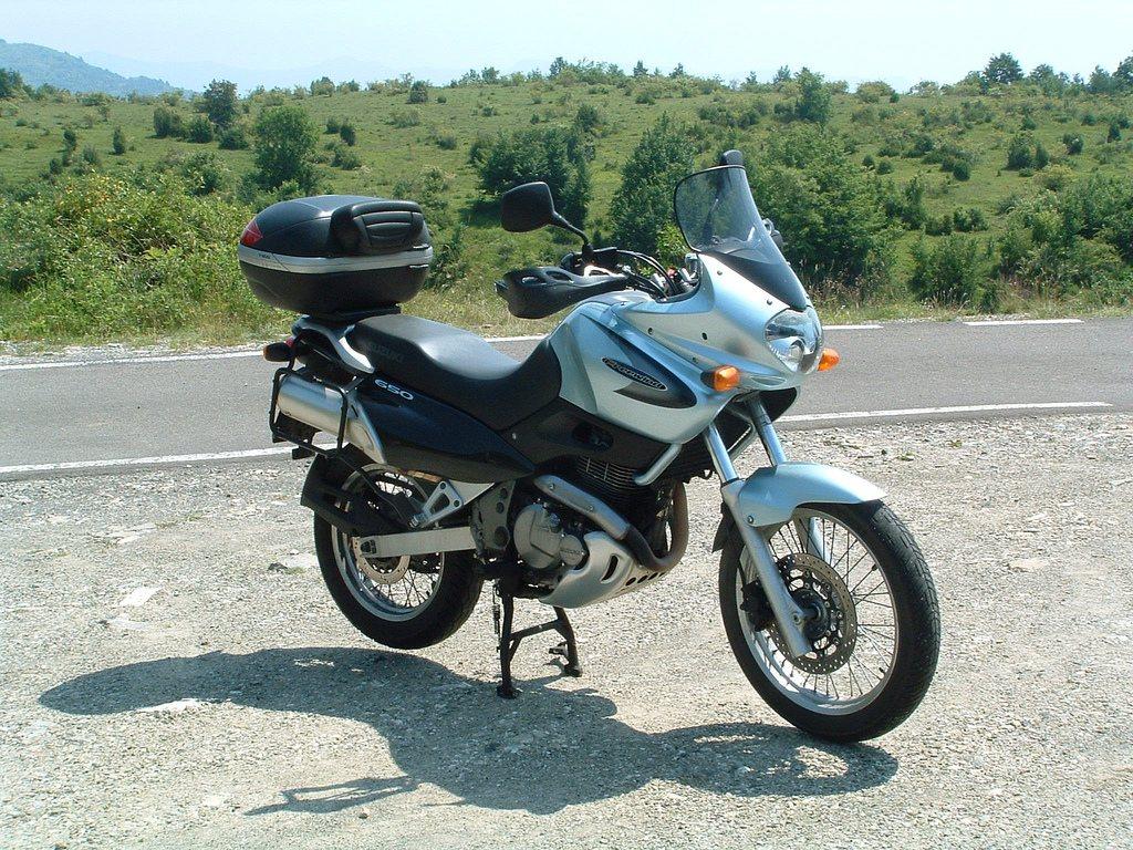 Suzuki Freewind 650 4
