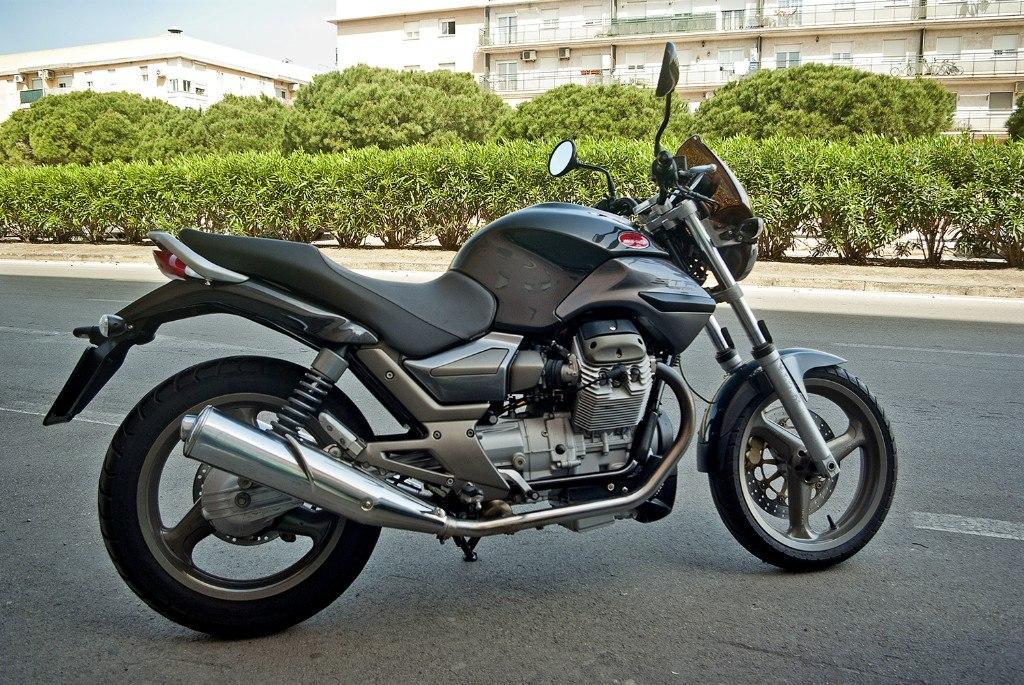 Moto del día: Moto Guzzi Breva STR 750