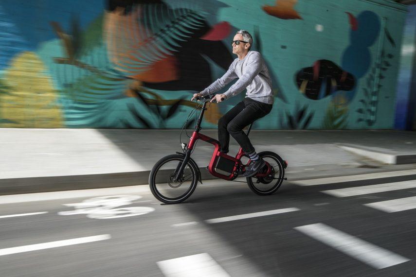 Conoce las diferencias entre bicicletas de pedaleo asistido, ciclos de motor y ciclomotores