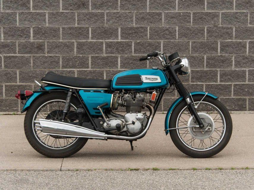 Moto del día: Triumph Trident T150