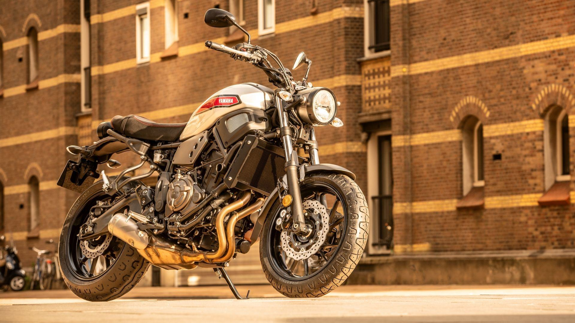 2019 Yamaha XS700 EU Matt Grey Static 004 03