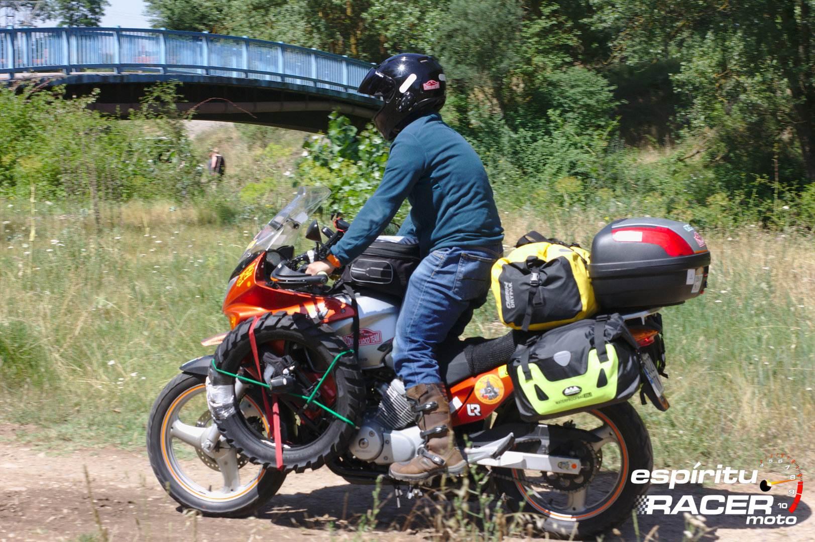 Pedro a Mongolia espirituRACER moto 02